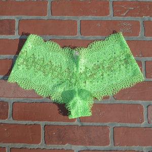 Victoria's Secret lace boy short panties sz small